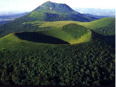 Les 4ème visitent les volcans d'Auvergne